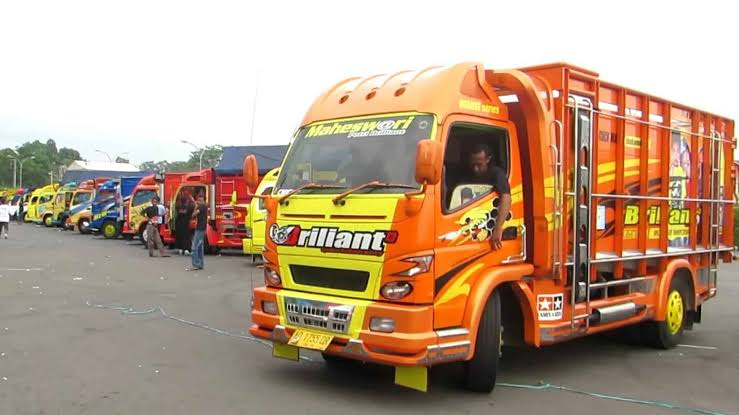 Gambar Sewa Truk Box Surabaya