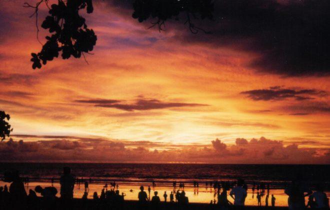 tour Bali dari surabaya - Gambar Pantai Kuta